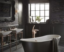 Madeira Bath with Blenheim on Washstands